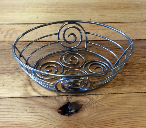 Stainless Steel Swirl Pattern Bread Basket<br><br>